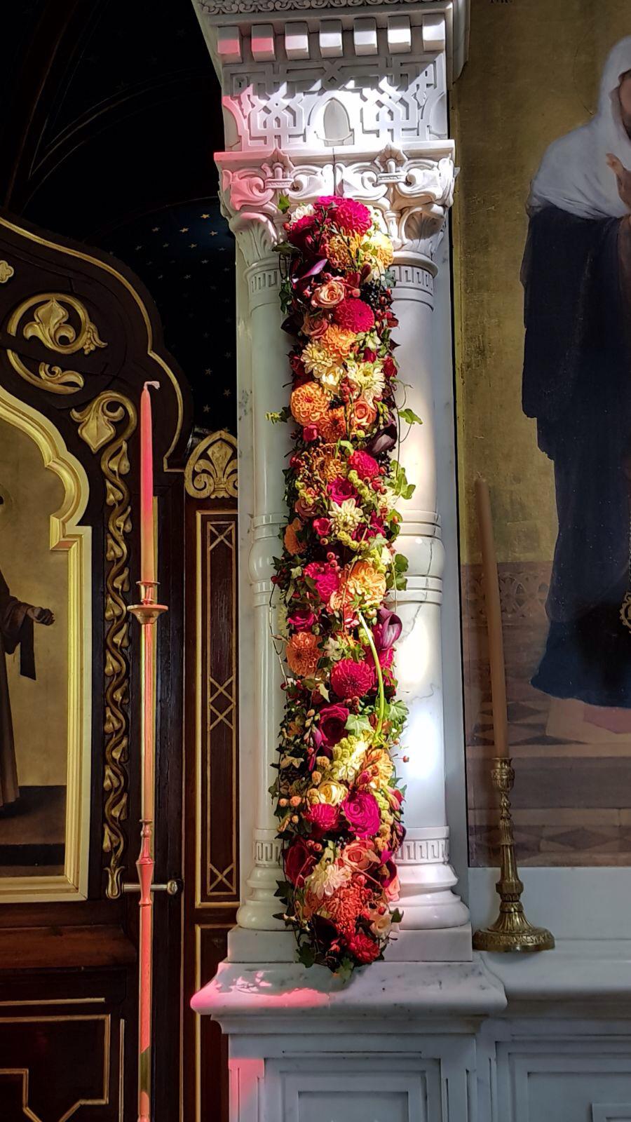 Composition florale obseques_decor de colonnes_Bouvard Fleurs